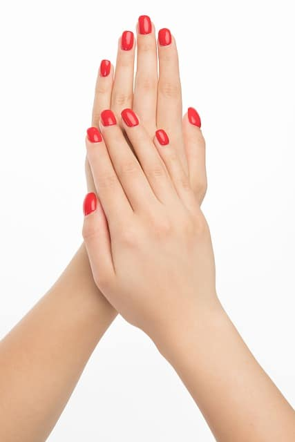 manicure: free home spa day